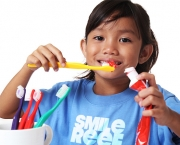kids-brush-their-teeth